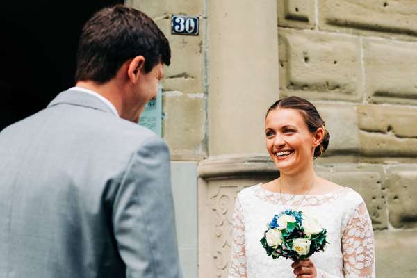Relaxed elopement and small ceremony wedding photography in Edinburgh